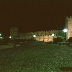 Puerta de Arévalo (vista nocturna)