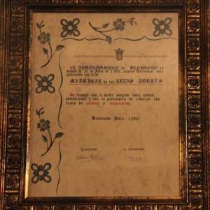 Documento del Hermanamiento entre el Municipio de Madrigal de las Altas Torres y el pueblo de Benimodo (Valencia) de julio de 1992. Salón de Plenos del Ayuntamiento de Madrigal.